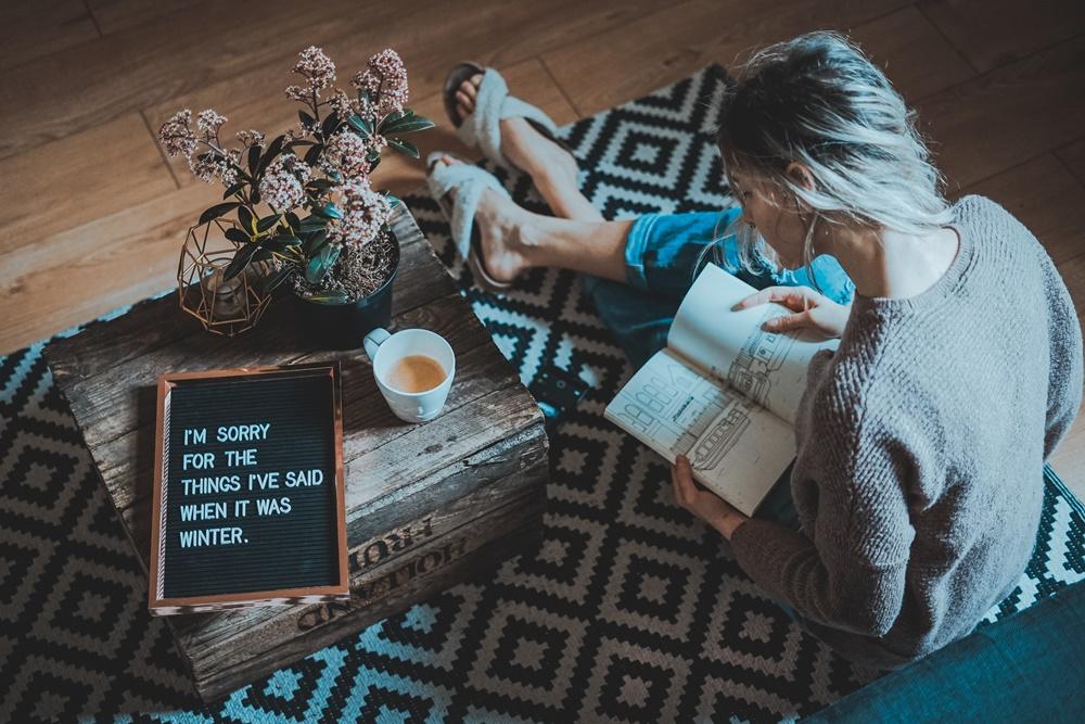 Come pulire parquet e tappeti senza rovinarli blog di mina - Come pulire i tappeti in casa ...